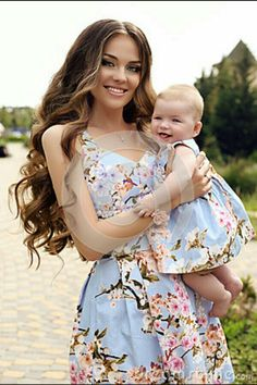 dress baby and mom ! kleid baby und mama habiller bébé et maman Mom And Baby Outfits, Mommy And Me Dresses, Mom Dress, Girl Outfits, Girls Dresses, Mom Daughter Matching Dresses, Matching Family Outfits, Mother And Daughter Dresses, Mother Daughter Fashion