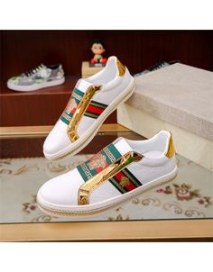 Versace Casual Shoes For Men Versace Shoes, Versace Fashion, Versace T Shirt, Fashion Shoes, Mens Fashion, Nike Shoes, Shoes Sneakers, Casual Shoes, Men Casual