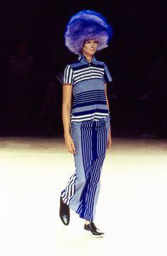 Comme des Garçons Spring 1996 Ready-to-Wear Fashion Show - Christina Kruse (OUI)