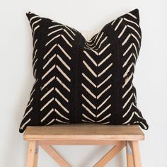 Your place to buy and sell all things handmade Scatter Cushions, Throw Pillows, Black Pillows, Turkish Towels, Cotton Linen, Decorative Pillows, Pillow Covers, Arrows, House Styles