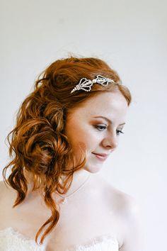 Gioia Mia Swarovski pearl and rhinestone 'Clara' headband http://www.gioiamia.net Image courtesy of Chantal Lachance-Gibson Photography
