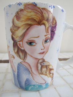 Caneca porcelana pintada à mão.