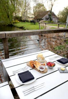 Alfresco breakfast anyone? An excellent start to the day on the terrace at Tuddenham Mill http://tuddenhammill.co.uk/