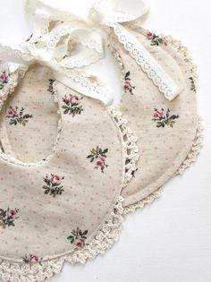 Handmade Linen & Lace Bib | Nine Toes & Co on Etsy