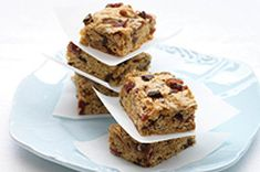 Chocolate, Cranberry & Oat Bars - try rather than store bought granola bars in lunch. Replace cranberries with raisins.
