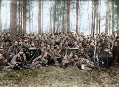 Russian soldiers [pose] before the attack, 1916
