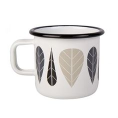 Add a retro touch to your table setting with the Leaves enamel mug from the Finnish brand Muurla, designed by Noora Eerikäinen. The mug is made of qualitative enamelled steel with a decorative leaf pattern that takes the mind back to the designs of the 50s and 60s. The mug is perfect for coffee or tea and is great in combination with other pieces in the Leaves range. Available in different colors.
