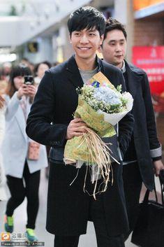 Korean Men, Korean Actors, Shin Min Ah, Lee Seung Gi, Press Photo, Best Couple, Kdrama, Singer, Male Style