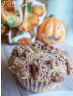 5 Minute Pumpkin Muffins with CinnamonStreusel | SweetSomewhere...to die for!!