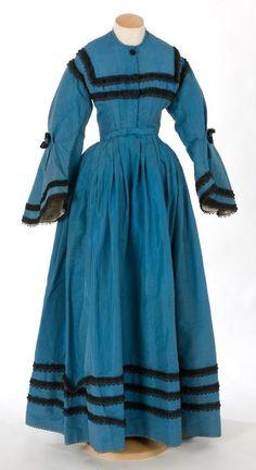 26-10-11  Day dress ca. 1850's    From theCentre de Documentació i Museu Tèxtil de Terrassa