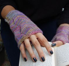 Fractured Light hat and mittens: Knitty Deep Fall 2012 - so pretty!