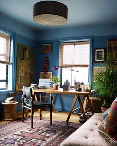 A home office with room to walk around the desk---a novel idea. ELLE Decor - John Robshaw's home in Manhattan Elle Decor, Urban Deco, Sweet Home, New York Homes, Blue Rooms, Blue Walls, Color Walls, Wall Colors, Paint Colors