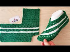 Very easy knitting ladies booties – Knitting socks - Stricken Rib Stitch Knitting, Easy Knitting, Knitting Socks, Knitting Machine, Crochet Men, Crochet Socks, Knit Slippers Free Pattern, Knitted Slippers, Baby Knitting Patterns