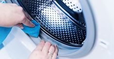 Weekly Cleaning, Deep Cleaning, Limpieza Natural, Clean Your Washing Machine, E Piano, Distilled White Vinegar, Food Bowl, Pet Bowls, Food 52