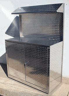4 Foot Set Of Diamond Plate Garage Cabinets And Shelf