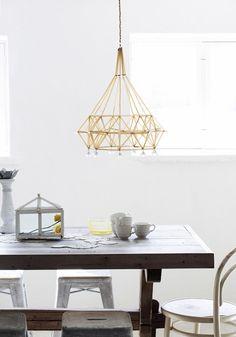 """En himmeli består av de rätta proportionerna mellan material och tomhet"""", beskriver himmelisten Eija Koski. Straw Art, Everything Is Illuminated, Handmade Ornaments, Room Decor Bedroom, Lamp Light, Diy And Crafts, Sweet Home, Diy Projects, Lights"""