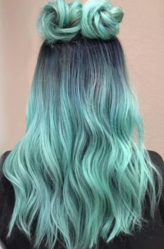 20 Photos That Prove Double Bun Hairstyles Can Be Sophisticated doublebuns spacebuns festivalhairstyles festivallooks hairinspo springhairstyles summerhairstyles 586453182712382781 Cute Hair Colors, Pretty Hair Color, Beautiful Hair Color, Hair Dye Colors, Ombre Hair Color, Amazing Hair Color, Bun Hairstyles, Pretty Hairstyles, Hair Mascara
