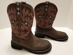 Ariat - Fatbaby Women's Western Cowboy Boots - Size 9B  Brown Leather with Blue Trim  Pull on Boots  Overall Very Good Condition  - Has some light wear & scuffing ..... Visit all of our online locations.....  www.stores.eBay.com/variety-on-a-budget .....  www.stores.ebay.com/ourfamilygeneralstore .....  www.etsy.com/shop/VarietyonaBudget .....  www.bonanza.com/booths/VarietyonaBudget .....  www.facebook.com/VarietyonaBudgetOnlineShopping