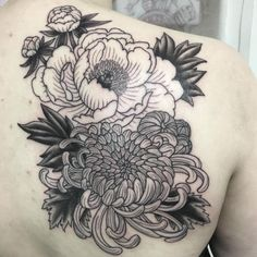 What does chrysanthemum tattoo mean? We have chrysanthemum tattoo ideas, designs, symbolism and we explain the meaning behind the tattoo. Lila Tattoos, Purple Tattoos, Birth Flower Tattoos, Body Art Tattoos, Sleeve Tattoos, Tatoos, Floral Tattoos, Japanese Peony Tattoo, Realistic Flower Tattoo