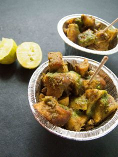 In this post we will show you how to make the famous street style spicy tangy aloo chat recipe at home just as you would get in the famous streets of Delhi Cheap Meals, Easy Meals, Easy Healthy Recipes, Vegetarian Recipes, Chats Recipe, Indian Food Recipes, Ethnic Recipes, Chaat, Street Food