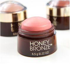 The Body Shop Honey Bronze Highlighting Dome #thebodyshop #thebodyshophoneybronze #honeybronze