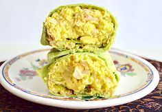 These are flavorful and satisfying turkey avocado breakfast burritos that are also so easy quick and healthy for breakfast! Avocado Breakfast, Breakfast Bites, Breakfast Burritos, Hp Sauce, Mashed Avocado, Wrap Recipes, How To Dry Oregano, Brunch Recipes, Food To Make