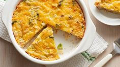 serve chicken and broccoli in a cheese-topped casserole.An Impossible Bisquick Pie Quiches, Bisquick Recipes, Heart Healthy Recipes, Healthy Meals, Healthy Eating, Pie Plate, Chicken Recipes, Broccoli Recipes, Recipe Chicken