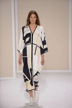 Hermes Ready To Wear Spring Summer 2016 Paris 2016 Fashion Trends, Runway Fashion, Hermes, Spring Summer 2016, Spring Summer Fashion, Live Fashion, Fashion Photo, Sexy Outfits, Cool Outfits