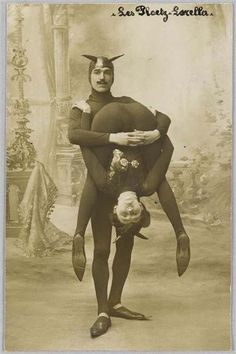 Vintage Freak Show Photo The Famous by Old Circus, Night Circus, Circus Acts, Cirque Vintage, Pierrot Clown, Sideshow Freaks, Human Oddities, Weird And Wonderful, Vintage Photographs