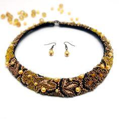Beaded Bracelets, Necklaces, Handmade Jewelry, Fashion, Embroidery, Moda, Handmade Jewellery, Fashion Styles, Pearl Bracelets