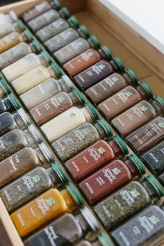 Spice Drawer Organization & Tips for Healthy Recipes My spice drawer is pivotal to cooking healthy recipes. So today I'm sharing how I organize my spice drawer and giving you a few tips for dried spices. Organisation Hacks, Kitchen Organization Pantry, Spice Organization, Diy Kitchen Storage, Storage Hacks, Storage Ideas, Diy Drawer Organizer, Drawer Dividers, Do It Yourself Organization