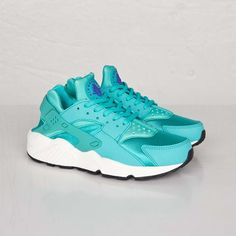 the best attitude d5e29 12b89 Nike Wmns Air Huarache Run - 634835-401 - Sneakersnstuff   sneakers   streetwear  online since 1999