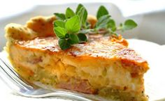 Salami Quiche with a Poppyseed Crust Healthy Foods To Eat, Easy Healthy Recipes, Easy Dinner Recipes, Great Recipes, Dessert Recipes, Savoury Recipes, Amazing Recipes, Yummy Recipes, Recipe Ideas