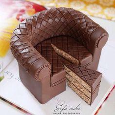 Chocolate sofa cake art pic via Fancy Cakes, Cute Cakes, Yummy Cakes, Unique Cakes, Creative Cakes, Beautiful Cakes, Amazing Cakes, Chocolates, Gateaux Cake