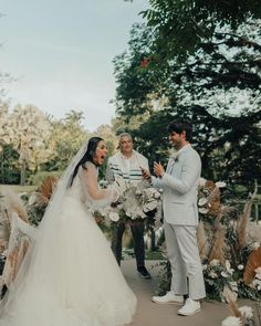 casamento Jade Seba e Bruno Guedes Boho Chic, Jade, Foto E Video, Wedding Dresses, Instagram, Fashion, Outdoor Ceremony, Rio De Janeiro, Female Actresses