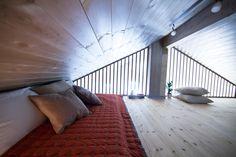 Lysthus. Leveres også som laftehytte. Rindalshytter: moderne ferdighytter - Rindalshytter Cabin Ideas, Blinds, Stairs, House Design, Curtains, Drawings, Home Decor, Modern, Stairway