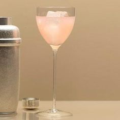 Gin Grapefruit Cocktail  In a cocktail shaker combine 1/4 cup each of gin and grapefruit juice, 1 tablespoon dry vermouth and a little crushed ice. Cover the container, shake the mixture well, and strain it into a stemmed glass over ice cubes. @Sandeep Verma