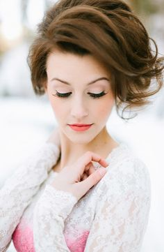 Excellent tips when it comes to doing  makeup for photographs.