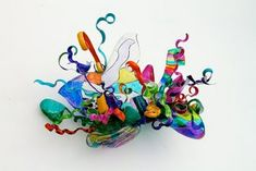 Holly's Arts and Crafts Corner: Art Project Inspired Sculpture shrinky dink paper, permanent markers, and a glue gun 3d Art Projects, Sculpture Projects, School Art Projects, Sculpture Art, Dale Chihuly, Plastic Art, Shrink Plastic, Plastic Bottles, Plastic Sheets