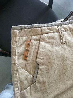 Pin lock pocket