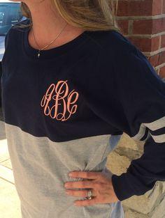 Woman Fashion Blouse Embroidery Crewneck Contrast Color Tee T-Shirt Top Monogram Shirts, Monogram Fonts, Circle Font, Spirit Shirts, Spirit Wear, Cute Shirts, Passion For Fashion, Autumn Winter Fashion, What To Wear