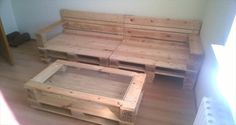 DIY Pallet Sofa and Coffee Table | 99 Pallets