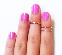 New product category : dainty knuckle rings. Am I convinced? Not quite yet, I'm clumsy and might be afraid of losing them!