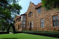 The sculpted gardens at Northwards in Parktown, Johannesburg, are reminiscent of the old garden at the SA Ballet Academy. Johannesburg City, Overseas Travel, Countryside, South Africa, Landscape Photography, Places To Visit, African, Tours, Portal