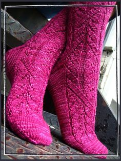 Ravelry: Cadence Socks pattern by verybusymonkey  Free Fingering yarn, Cables  Charts.