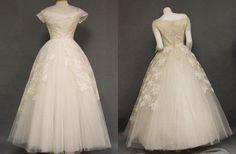 Google Image Result for http://ruffledmedia.ruffled.netdna-cdn.com/vintage-wedding-blog/vintage-wedding-dresses1.jpg