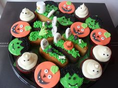 Halloween cupcakes and Twinky graves