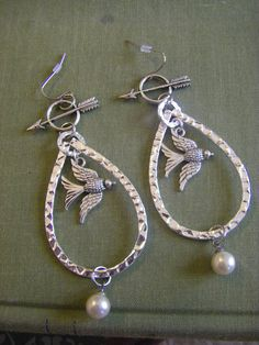The Hunger Games Inspired Mockingjay Katniss Pearl Arrow Earrings large hunger games jewelry