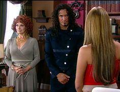 En el Capítulo 16 de El cuerpo del deseo: Salvador es contratado como chofer por Rebeca, quien sigue teniendo muchos problemas en la casa Donoso