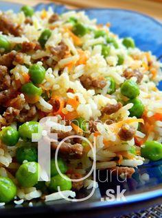 Ryžový šalát s hovädzím mäsom a konopnými semienkami